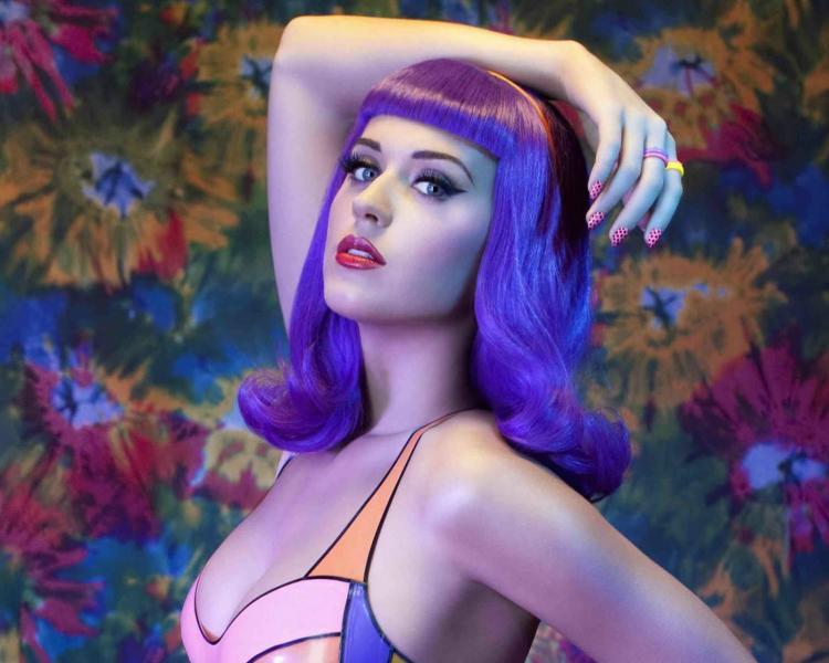 Katy Perry in Teenage Dream Promo Photoshoot (1).jpg