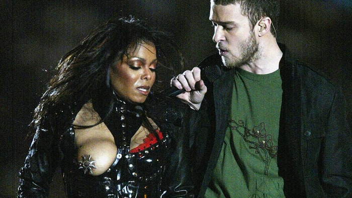 Janet Jackson and Justin Timberlake at the Super Bowl XXXVIII in 2004.jpg