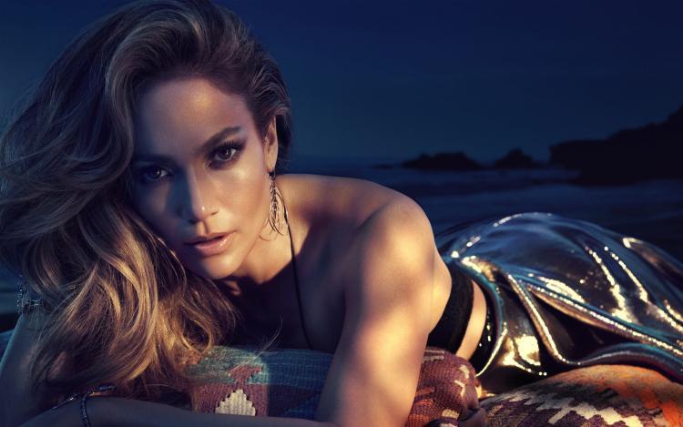 Jennifer Lopez 2.jpg